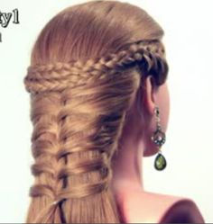 Renaissance Style Braid  wow I wish I could do this