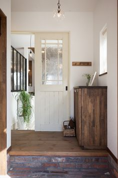 Diy Design, Interior Design, Natural Interior, Entrance Hall, Mudroom, Building A House, Living Spaces, New Homes, Indoor