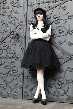 Casual and Sleek Lolita~ I love it!