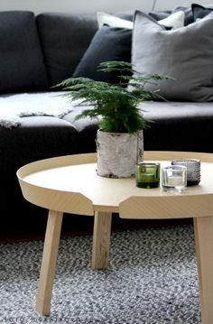 Kivi and Kastehelmi candleholders from Iittala. Table from Muuto.