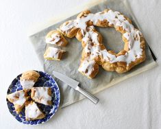 no Croquembouche, Eclairs, Churros, Doughnut, Camembert Cheese, Food And Drink, Favorite Recipes, Sugar, Cookies