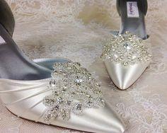 Bridal Shoe Clip, Shoe Clips, Rhinestone Shoe Clip, Embellishment for Bridal Shoes, Wedding Shoe Clips, Shoe Clips, Wedding favor by BridalShoeClips on Etsy https://www.etsy.com/listing/173274706/bridal-shoe-clip-shoe-clips-rhinestone