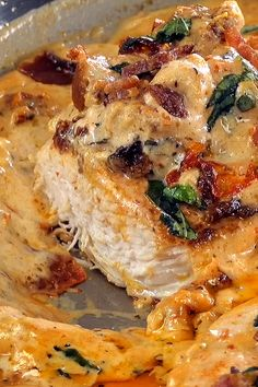 Chicken and Bacon with Sun-Dried Tomato Cream Sauce - Essen Ideen Sundried Tomato Recipes, Lunch Recipes, Healthy Recipes, Salmon Recipes, Cobia Recipes, Tilapia Fish Recipes, White Fish Recipes, Chef Recipes, Easter Recipes