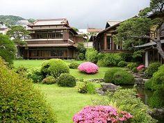 熱海:起雲閣全景 Atami, Japan Landscape, Japanese House, Architecture Design, House Design, Mansions, House Styles, Folk, Architecture Layout