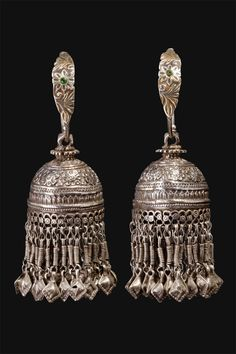 India | Karanphul Jhumka earrings. Worn by women, predominately in Rajasthan and in the northern regions of the country. | ca. First half 1900s | 550€