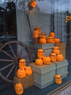 eyeglass display ideas | ... Halloween Display Ideas Using Pumpkins | The Optical Vision Site