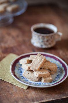 La recette des shortbread, biscuits sablés écossais, parfaits pour accompagner un thé en fin d'après-midi !