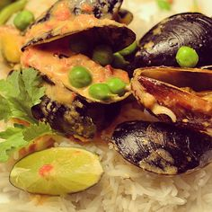 #PEImussels in a tomato coconut sauce, hints of #lime, #coriander....a taste of summer in #canada
