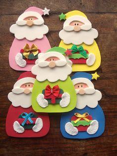 Variaçoes do molde Papai Noel Porta Retrato com presente com maozinha na barrigona envergonhado com botoes