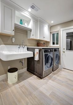 Thinking about remodeling your laundry room? A cast iron sink from Signature Hardware gives your space a unique feel and adds convenient functionality to your home.