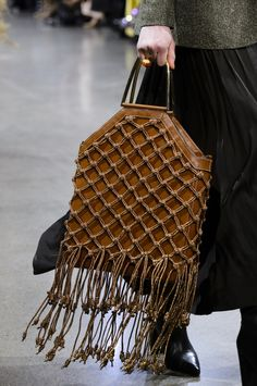 7 Fall Bag Trends That Are About To Take Over From fur accents to box bags and beyond, these are the fall bags to shop now. Fall Handbags, Purses And Handbags, Fashion Bags, Fashion Accessories, Fashion Top, Cheap Fashion, Workwear Fashion, Fashion Trends, Col Crochet