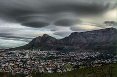 UFO Clouds Spotted Over South Africa. Meteorologist Ari Sarsalari talks about lenticular clouds that formed in Cape Town, South Africa. Weather Records, Global Weather, Wild Weather, Lenticular Clouds, Cape Town South Africa, Table Mountain, Tornados, Out Of This World, Image Shows