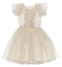 e5a3570e90ef Φόρεμα από οργάντζα για το παρανυφάκι σας σε κρεμ τόνους! Τόσο ρομαντικό!  www.
