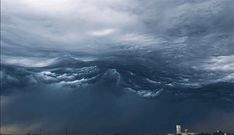 minazarei:  dilfgosh:  asperatus cloudx  IT'S LIKE WATCHING THE WAVES ABOVE YOU FROM THE BOTTOM OF THE OCEAN