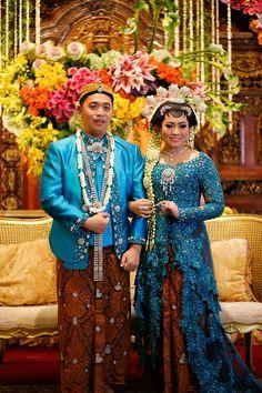 Rencanakan pernikahan Anda di Tahun 2018 ini dengan pesta pernikahan adat/tradisional. Tampilkan budaya Indonesia yang kaya warna, unik dan cantik.