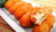 Croquetas de salmón Party Desserts, Dessert Recipes, Chilean Recipes, Spanish Cuisine, Salty Foods, Latin Food, Seafood, Food Porn, Appetizers