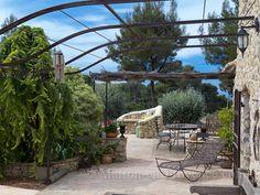 La terrasse de la location de vacances Mas à Le Castellet ,Var - photo 18463…                                                                                                                                                     Plus