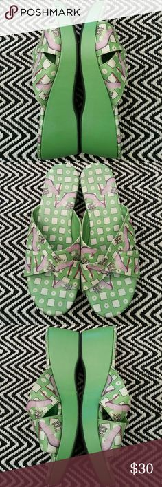 ICON Green Slides Excellent, very slightly used, condition Leather upper ICON Shoes Platforms
