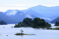 Akimoto lake in cloudy morning. | by cate♪