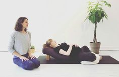 In this month's Magnifique Yoga Break, we honour all you mamas-to-be with a short and sweet prenatal practice, led by the lovely Julia Truffaut. Enjoy!