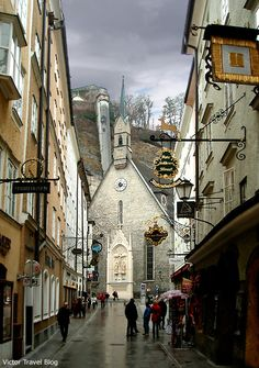 A church in the old city of Salzburg. https://victortravelblog.com/2013/02/25/gray-city-of-mozart-salzburg/