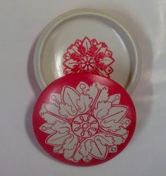 Round clay box. Diameter 3.94 in (10cm). Hand painted. - pinned by pin4etsy.com