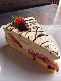 Erdbeer-Mascarpone-Torte 8 Source by dkfeinschmecker desserts desserts easy desserts healthy desserts recipes Baking Recipes, Cookie Recipes, Dessert Recipes, Pudding Desserts, Lemon Desserts, Cupcake Recipes, Pie Recipes, Food Cakes, Baking Cakes