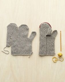 Cozy Mittens. Loving the construction of these mitts.