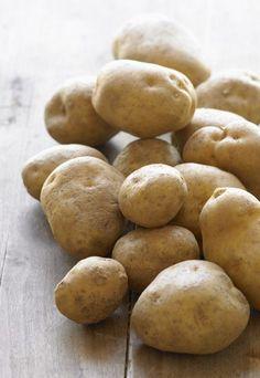Fränkische Kartoffelklöße - Klosterrezepte Klosterküche - Klöße selber machen geht am schnellsten, wenn Sie sich dazu ein paar fleißige Helfer in die Küche holen, denn der erste Arbeitsschritt besteht aus: reiben, reiben, reiben...