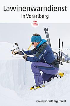 Experten in Vorarlberg sorgen dafür, dass möglichst wenige Menschen von Lawinen überrascht werden. Der Mitarbeiter des Vorarlberger Lawinenwarndienstes – der 1953 als erster in Österreich gegründet wurde – interpretiert dafür täglich eine umfangreiche Datenmenge und erstellt im Team den aktuellen Lawinenlagebericht. Wir haben sie dabei begleitet. Winter Sports, People, Reading, Winter Sport