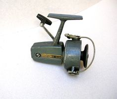VINTAGE FISHING REEL. COOL GREEN FRESHWATER REEL BY BRONSON.............................................................Please save this pin... ........................................................... Visit!.. http://www.ebay.com/usr/prestige_online
