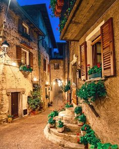Tremosine sul Garda Italy x Beautiful Places To Travel, Wonderful Places, Dream Vacations, Vacation Spots, Garda Italy, Beau Site, Beautiful Streets, Travel Aesthetic, Travel Abroad