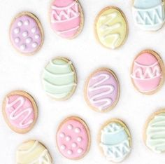 Enjoy these Easter recipes. If you're looking for some Easter recipes for Easter dinner, brunch, appetizers or desserts, this is the place to be! Easter Bunny Cake, Chocolate Easter Bunny, Easter Cookies, Easter Treats, Easter Eggs, Sugar Cookies, Easter Food, Easter Party, Easter Stuff