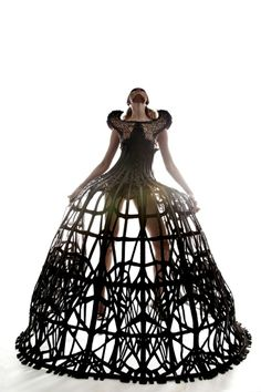 Dramatic Cage Dress - fashion constructs sculptural fashion design dark romance Arachne collection by Malgorzata Dudek. 3d Fashion, Dark Fashion, Editorial Fashion, High Fashion, Fashion Show, 3d Printed Fashion, Fashion Today, Fashion Models, Style Fashion