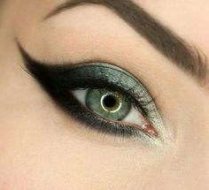 Graphic eyes for New Years eve