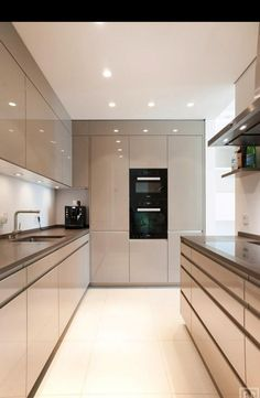 26 Modern Kitchens To Make Your Home Look Outstanding - Futuristic Interior Desi. - 26 Modern Kitchens To Make Your Home Look Outstanding – Futuristic Interior Designs Technology - Kitchen Room Design, Luxury Kitchen Design, Kitchen Cabinet Design, Home Decor Kitchen, Interior Design Kitchen, Kitchen Ideas, Kitchen Inspiration, Diy Kitchen, Kitchen Hacks