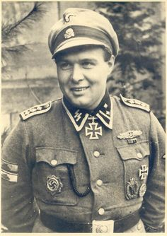"""SS-Obersturmbannführer Eberhard Wisliceny --- Kommandeur SS-PzGrenRgt 3 """"Deutschland"""".- http://www.das-ritterkreuz.de/index_search_db.php4?modul=search_result_det&wert1=7090&searchword=wisliceny"""