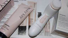 #Marykay #Skinvigorate Cleansing Brush - to give your skin a really nice clean feeling.  Use with your Mary Kay skincare cleansing products.  marykay.com/mgraves2020