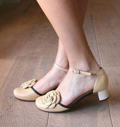 SOLANA :: SHOES :: CHIE MIHARA SHOP ONLINE  http://pinterest.com/kaleuaquiles/shoesshoesomgshoes/
