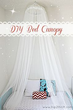 Totally making this easy and cute DIY bed canopy for Rayleigh's room! I'm thinking polka dot curtains. Cute Diy, Frozen Bedroom, Frozen Room Decor, Diy Bett, Diy Canopy, Bed Canopies, Canopy Crib, Hotel Canopy, Tulle Canopy
