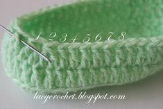 Crochet Baby Booties Ideas For Your Little Prince Or Princess Good morning! First of all, I need to announce the winner of my pattern. Thank you everyone who entered the giveaway by leaving comments … Crochet Baby Boots Pattern, Crochet Baby Booties Tutorial, Baby Booties Free Pattern, Newborn Crochet Patterns, Giraffe Crochet, Booties Crochet, Crochet Baby Shoes, Crochet Ideas, Crochet For Beginners Blanket