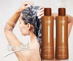No olvides de usar tu shampoo sin sal #brasilcacau hidrata profundamente. Ayuda a fortalecer cabellos rebeldes, sensibles, secos y con frizz, dejándolos suaves y con un brillo intenso.