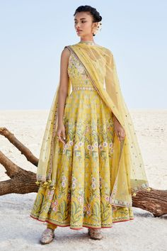 Embroidered resham and zardosi on soft mustard tissue for the finest of Summer afternoons . Dancing with Daffodils Anarkali Dress, Lehenga Choli, Anarkali Suits, Sarees, Anarkali Churidar, Punjabi Suits, Salwar Kameez, Indian Attire, Indian Ethnic Wear