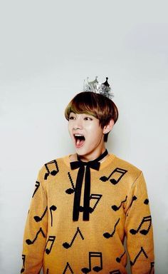 Kim Taehyung ♡ happy happy his happiness makes my day Jimin, Jungkook Jeon, Kim Taehyung, Bts Bangtan Boy, Taehyung Gucci, Daegu, K Pop, Boy Band, Kdrama