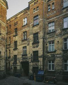 ::: #backyard stories for #brickmonday ;) | this is #kalisz poland . . . #igerspoland #mobilnytydzien166 #yesimmobile #polishphotocommunity #artystycznapodroz #polandgrams #photopoland#polandphotos #kamienica #somewheremagazine #myfeatureshoot #hsdailyfeature #justgoshoot #hinterhofromantik #hinterhofperle #shotoniphone #ig_europe #ahhh_brick #becauseilikebricks #wallswallswalls #tenement #podwórko #thisismyeurope #polandsights