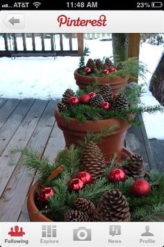 A Whole Bunch Of Christmas Porch Decorating Ideas - Christmas Decorating - Christmas,Christmas Ideas,Christmas Time,Holiday Ideas, Noel Christmas, Country Christmas, Homemade Christmas, Christmas Projects, All Things Christmas, Winter Christmas, Winter Porch, Simple Christmas, Natural Christmas