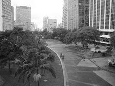 Vista de cima do Viaduto do Chá em São Paulo, SP - or Lucas S. Kehl