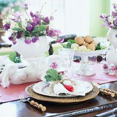Natural Beauty-no dyes, no glue.  This is a GREAT collection of table settings for Easter, from Better Homes & Gardens............all of them pretty in their own way.