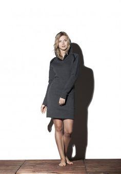 Sukienka z kapturem - Fir Hoodie Wszystkie sukienki dostępne na: http://bozzolo.pl/kobieta/sukienki-dzianinowe-sklep-internetowy.html