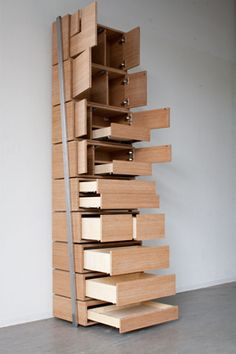 ippinka:    Designer Danny Kuo combines the concept of bookshelf with staircase
